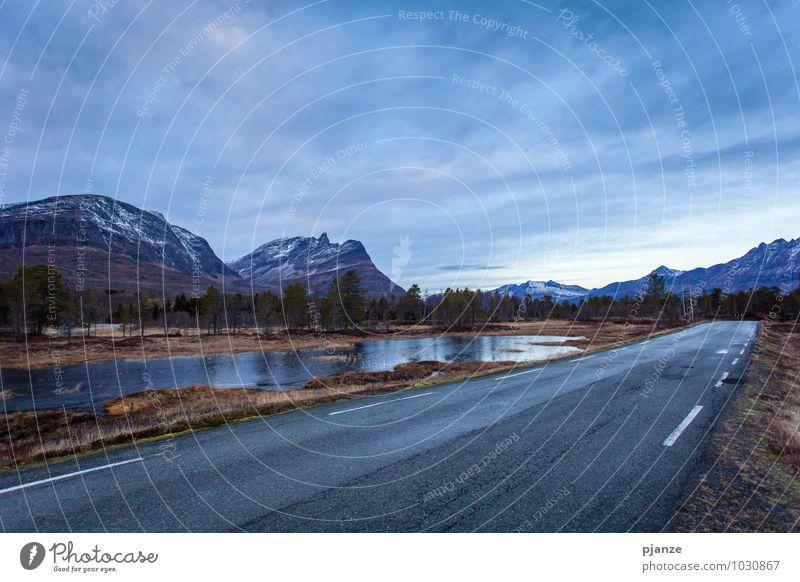 Road to nowhere Ferien & Urlaub & Reisen Abenteuer Expedition Winter Winterurlaub Berge u. Gebirge Natur Landschaft Wasser Wolken Nachthimmel Sonnenaufgang