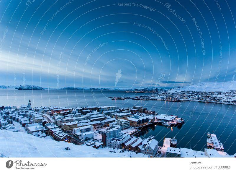 Hammerfest Natur Ferien & Urlaub & Reisen Stadt blau weiß Meer Ferne Winter Schnee Horizont Eis Schönes Wetter Abenteuer Frost Bucht Skyline