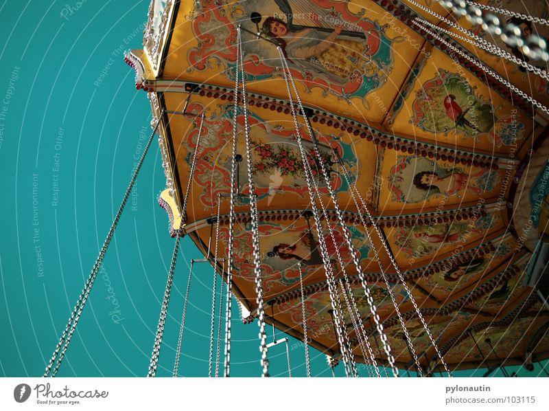 Kitschkarusell 5 Himmel Freude Spielen fliegen drehen Jahrmarkt Sitzgelegenheit