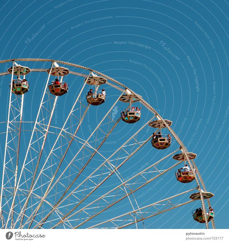 Riesenrad 2 Himmel Freude Spielen fliegen Kitsch Aussicht drehen Jahrmarkt Sitzgelegenheit Möbel