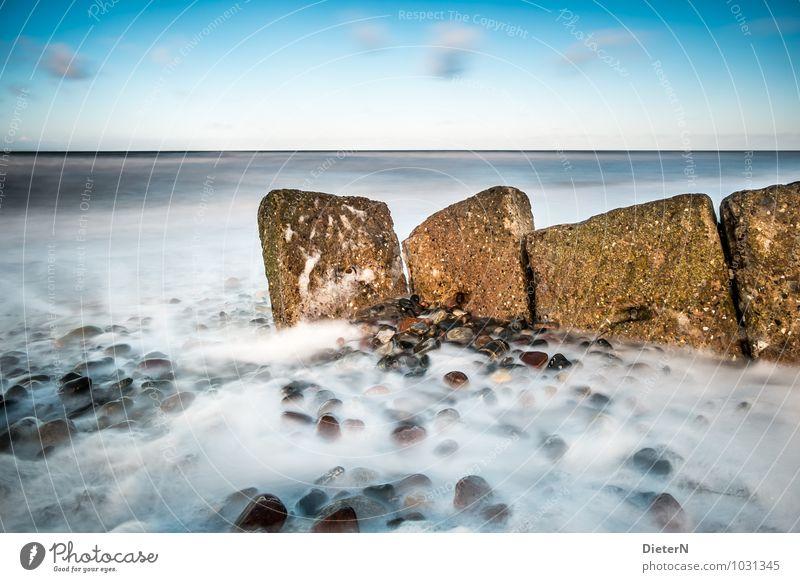 Bollwerk Strand Meer Winter Landschaft Sand Wasser Wolken Horizont Wind Sturm Ostsee Stein blau braun weiß Mecklenburg-Vorpommern Farbfoto Außenaufnahme