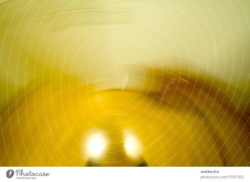 Unentschlossen Unschärfe Bewegung Dynamik Drehung rotieren Schwung Bogen Halbkreis drehen Hintergrundbild abstrakt gelb Sonne Holz Häusliches Leben Wohnung Raum