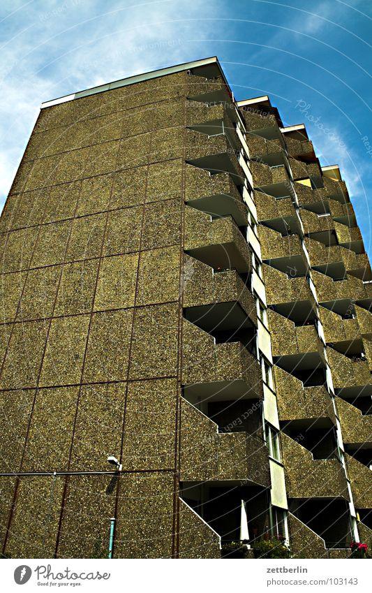 Breihaus Sommer Haus Beton Hochhaus Balkon Mieter Plattenbau Stadthaus Vermieter Neubau Neubaugebiet Sozialer Brennpunkt