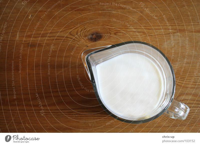 Die Milch machts Milchkanne weiß Tisch braun Holz Gesundheit Kuh Molkerei melken Bauernhof Vollmilch fettarm Kannen Behälter u. Gefäße Milchkaffee Milchkuh