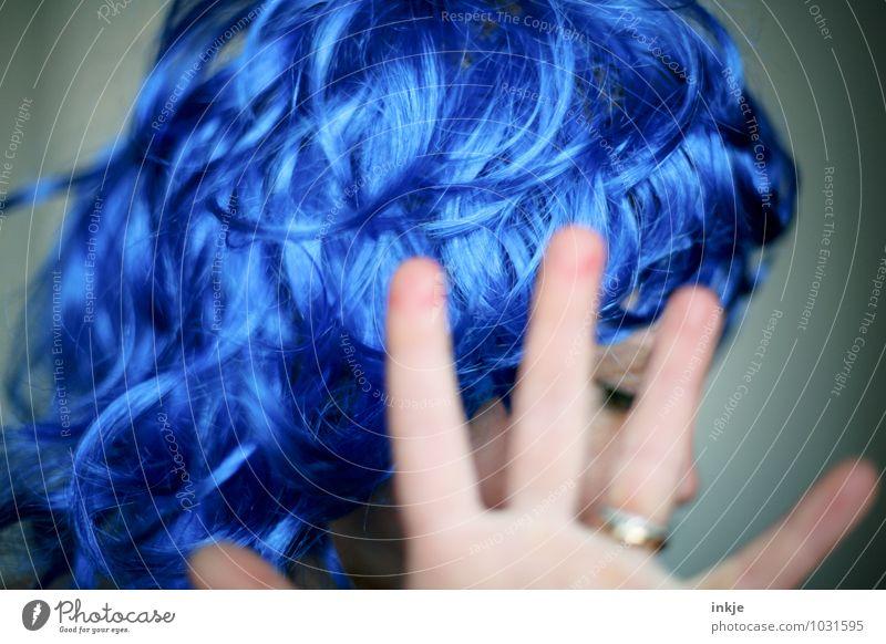 genug ist genug - blaue Welle pt.2 Mensch Frau Freude Erwachsene Gesicht Leben Traurigkeit Gefühle Stil Haare & Frisuren Feste & Feiern Stimmung Party Lifestyle