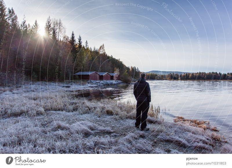 Ausblick Mensch Himmel Natur Ferien & Urlaub & Reisen Jugendliche Mann Wasser Meer Landschaft Haus Junger Mann 18-30 Jahre Strand Winter Ferne Erwachsene