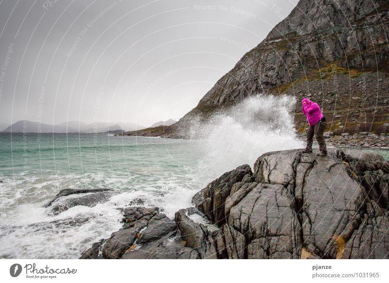 Leichter Gegenwind ;) Abenteuer Ferne Freiheit Berge u. Gebirge wandern Mensch feminin Junge Frau Jugendliche Erwachsene 1 18-30 Jahre 30-45 Jahre Natur