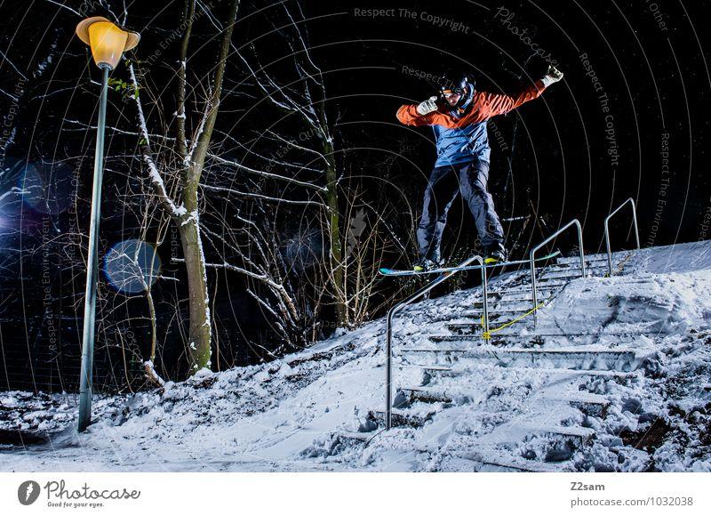 Saisonstart Natur Jugendliche Stadt Junger Mann Landschaft Winter Stil Lifestyle springen maskulin Freizeit & Hobby Kraft Coolness fahren Körperhaltung