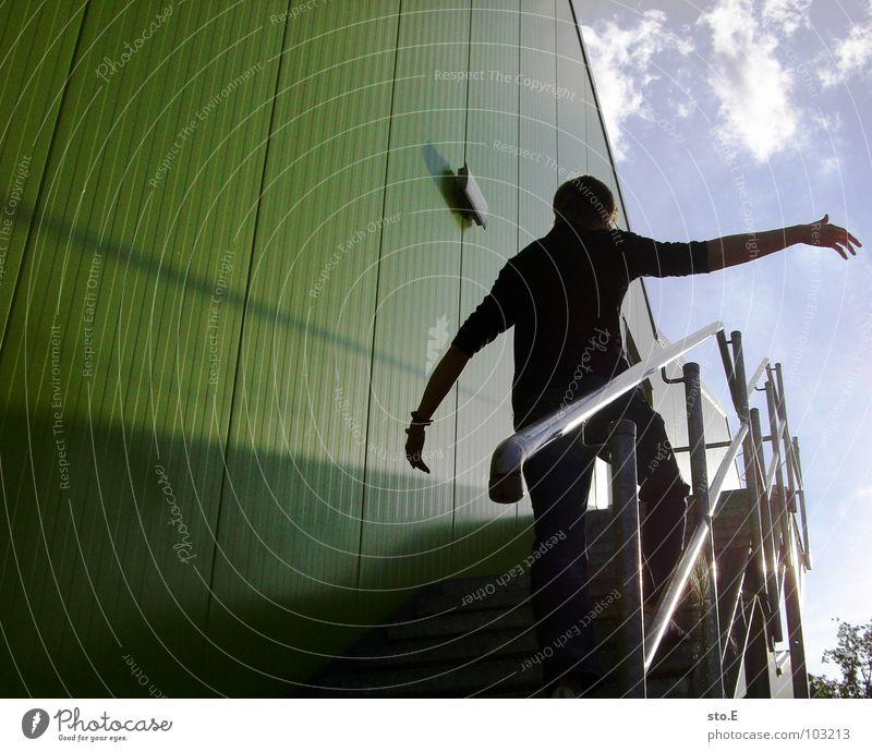 anderer winkel Mensch grün Sonne Haus Wand Gebäude Mauer Linie Innenarchitektur Hintergrundbild Zufriedenheit Angst Arme Treppe hoch Ordnung