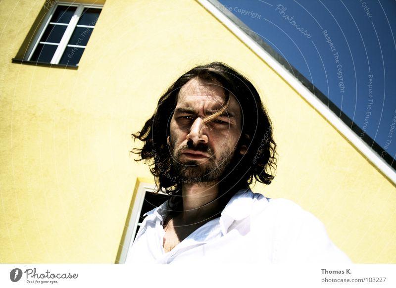 Yellow, blue 'n wasted Mann Himmel weiß Sonne blau Gesicht Haus gelb Fenster Haare & Frisuren Hemd Zerstörung fertig