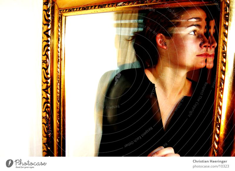 spiegelung Frau gold Spiegel Rahmen