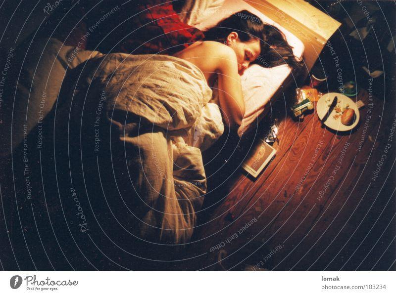 äpfel sind zum pflücken da Frau schlafen Bett Trieb Märchen Nymphe