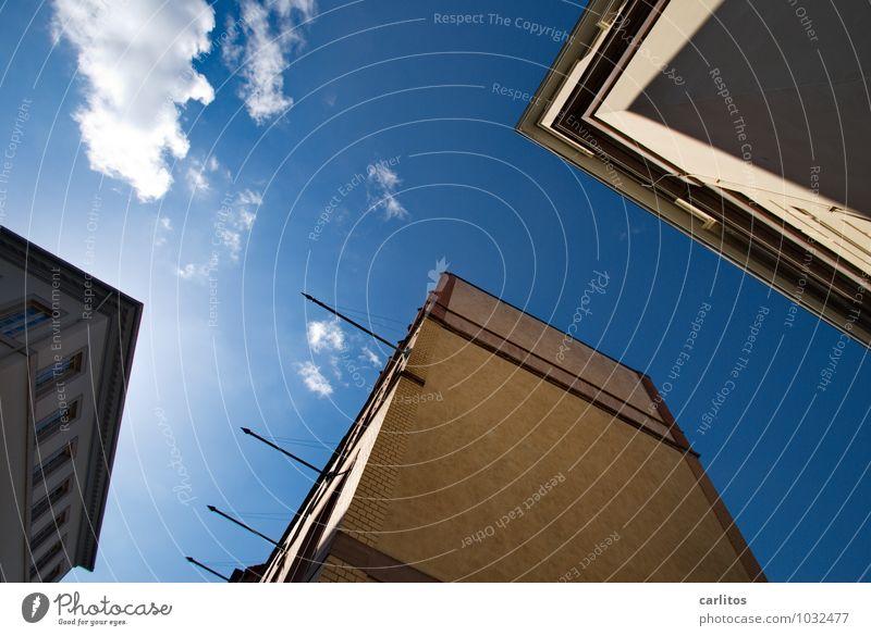 Einsturzgefahr blau Himmel Neigung Fassade Haus Architektur Altstadt
