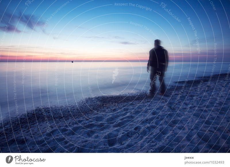 Langsam langsamer Mensch Himmel Mann blau ruhig Ferne Strand Erwachsene Küste Freiheit Horizont maskulin orange Freizeit & Hobby Wellen Kraft
