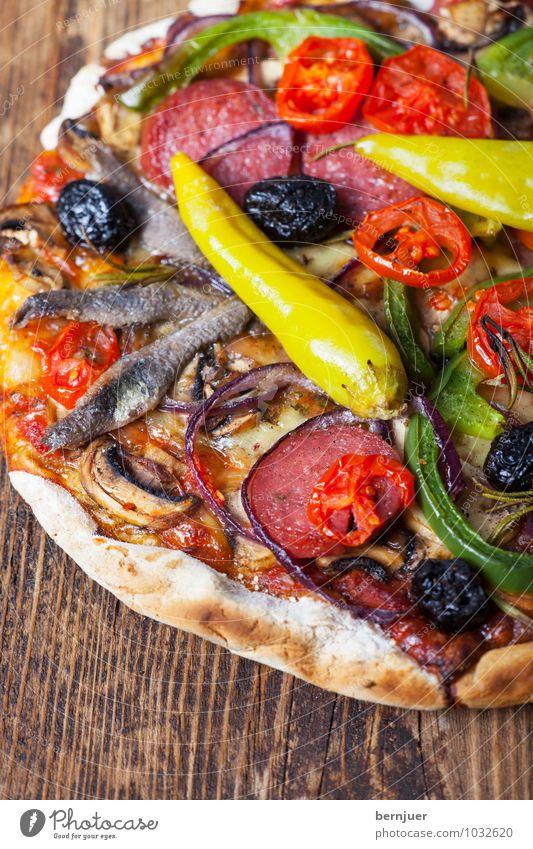 Mit alles und Fisch braun Lebensmittel Ernährung Kochen & Garen & Backen Fisch Gemüse gut Appetit & Hunger exotisch Backwaren Abendessen Teigwaren Tomate Originalität Käse Wurstwaren