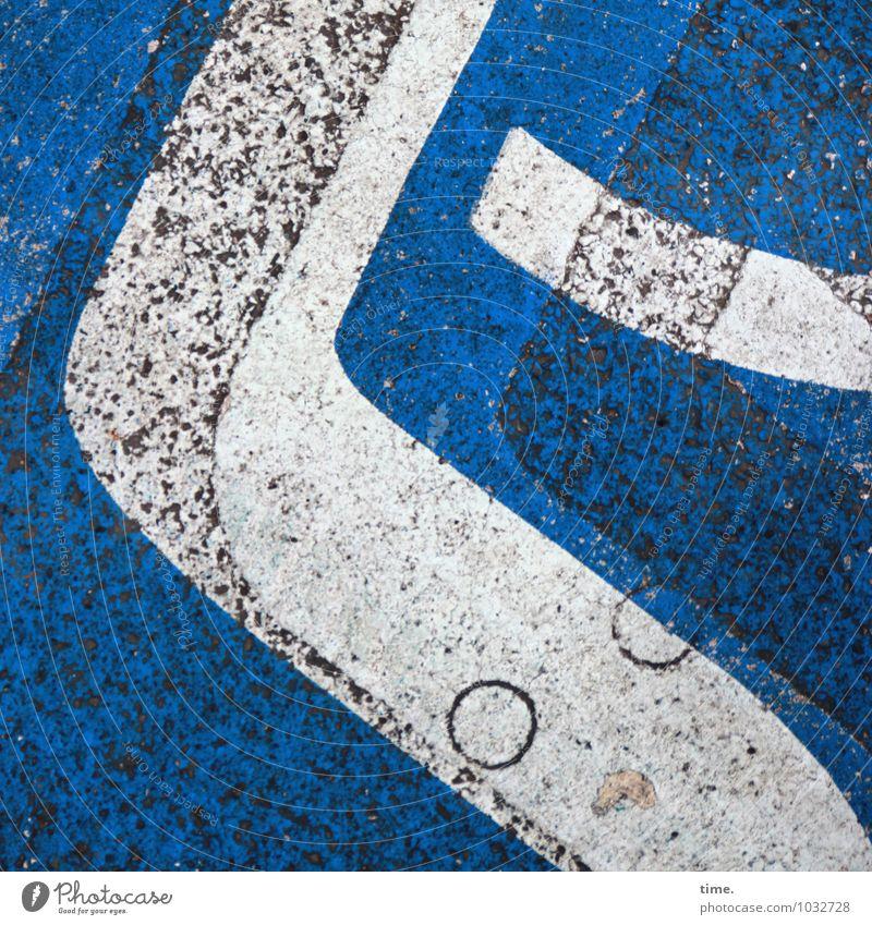 !Trash! 2015 | Asphaltgeist blau Farbe weiß Wege & Pfade Stein Linie Verkehr Ordnung elegant Schilder & Markierungen ästhetisch Perspektive Kreis Hinweisschild