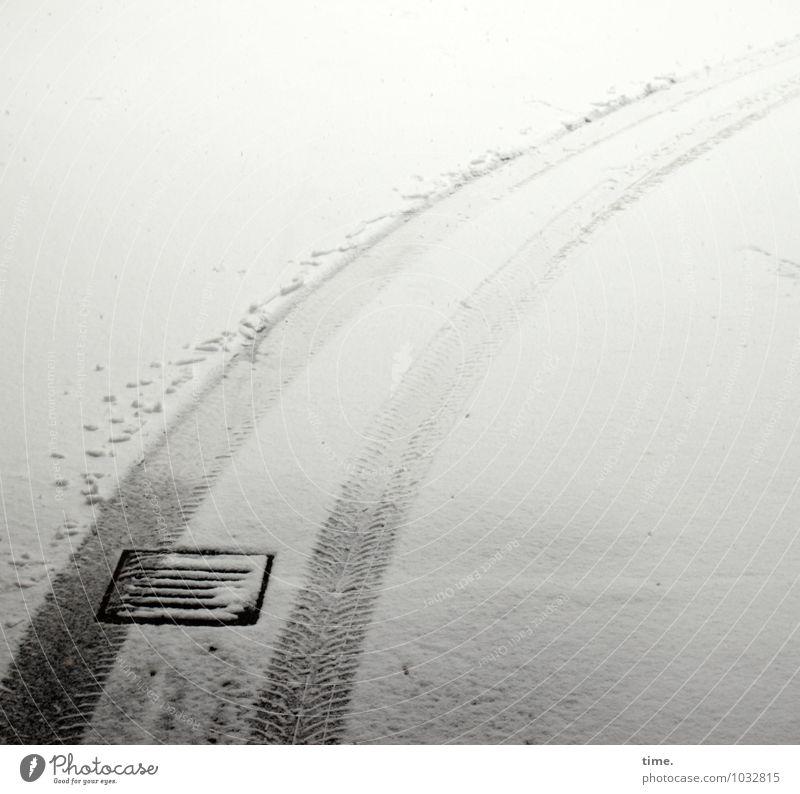 Hamburger Schmalspurwinter Winter Schnee Verkehr Verkehrswege Autofahren Straße Wege & Pfade Gully Reifenspuren Pflastersteine ästhetisch elegant kalt rund