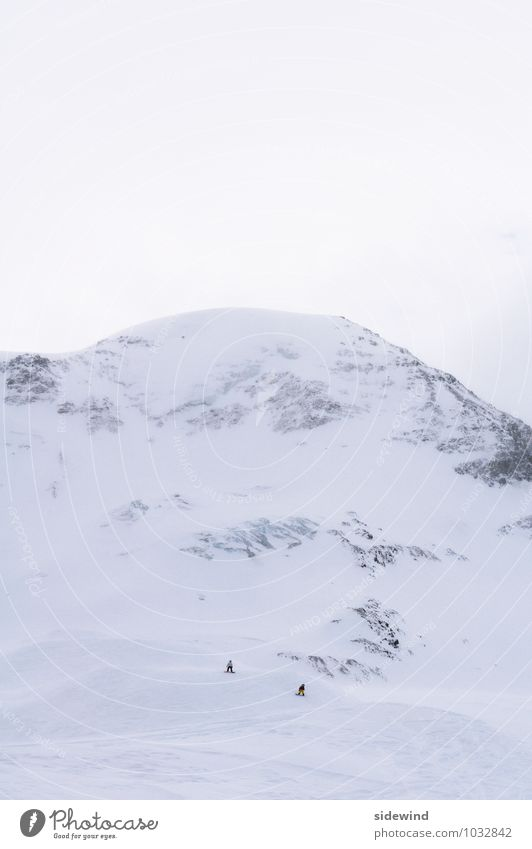 Gipfeltreffen (mit Gletscherzunge) Mensch Natur Ferien & Urlaub & Reisen Einsamkeit Landschaft Winter kalt Berge u. Gebirge Schnee Freiheit Zusammensein