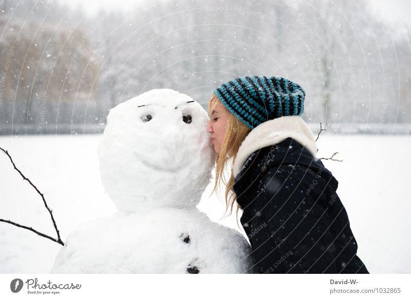 schau wie er sich freut Frau Jugendliche schön weiß Junge Frau 18-30 Jahre Winter Wald kalt Erwachsene Schnee Liebe feminin Schneefall Eis Zufriedenheit