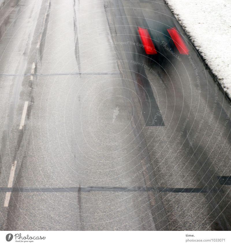 timerider Winter Schnee Verkehr Verkehrswege Personenverkehr Autofahren Straße Wege & Pfade Asphalt Mittelstreifen Fahrzeug Rücklicht Geschwindigkeit Stadt