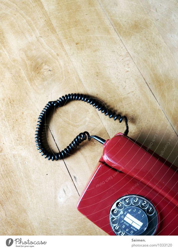 oldschool Telekommunikation Telefon Telefongespräch alt retro Kommunizieren Tisch Telefonhörer Wählscheibe Ziffern & Zahlen mehrfarbig Detailaufnahme
