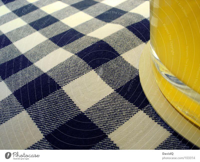 blau-weiß Bier Krug Getränk Durstlöscher löschen Erfrischung trinken Missbrauch Zeche Schaum Blume Hefe Weizen Gerste Hopfen trüb Bierhefe Reinheitsgebot