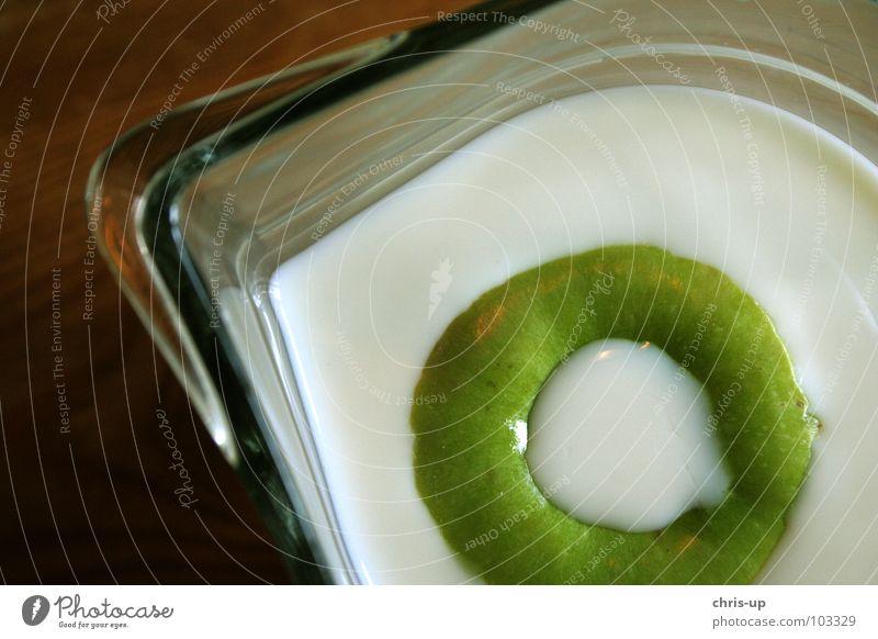 Milchshake Milchkanne weiß Tisch braun Holz Gesundheit Kuh Molkerei Bauernhof Vollmilch fettarm Kannen Behälter u. Gefäße Milchkaffee Milchkuh trinken Getränk