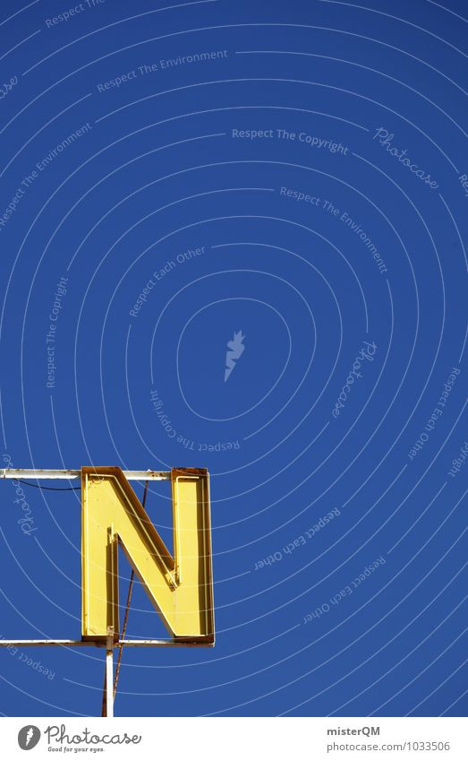 N. Kunst ästhetisch Buchstaben Werbung Werbeschild Kreativität Blauer Himmel gelb Symmetrie gestalten Farbfoto mehrfarbig Außenaufnahme Detailaufnahme