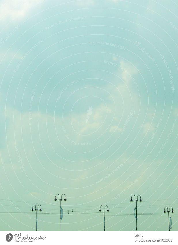 LAMPENSTROM III Lampe Elektrizität See Ferien & Urlaub & Reisen leicht Wasserfahrzeug Himmel Wolken Meer Trommel Nebel Morgen Steg ruhig Einsamkeit Stimmung
