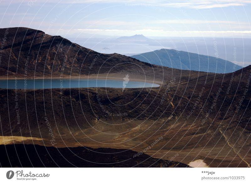 mordor. Landschaft Urelemente Wasser Schönes Wetter Hügel Felsen Alpen Berge u. Gebirge Tangariro Nationalpark Mount Ngauruhoe Tongariro Gipfel Vulkan See
