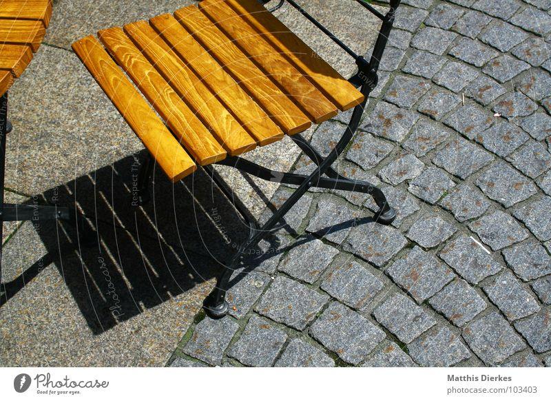 CAFÉ Café Cappuccino Latte Macchiato Mischung Espresso Restaurant Straßencafé Holz Tisch Fußgängerzone Nachmittag Freizeit & Hobby Gesellschaft (Soziologie)