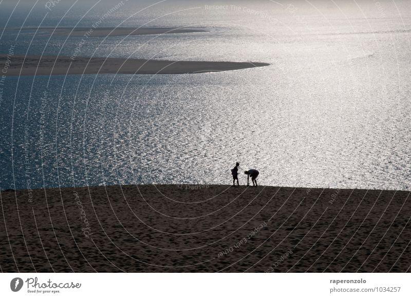 Lass uns gehen Mensch Ferien & Urlaub & Reisen schön Sommer Erholung Meer ruhig Strand Ferne grau Freiheit Paar glänzend Zusammensein frei Romantik