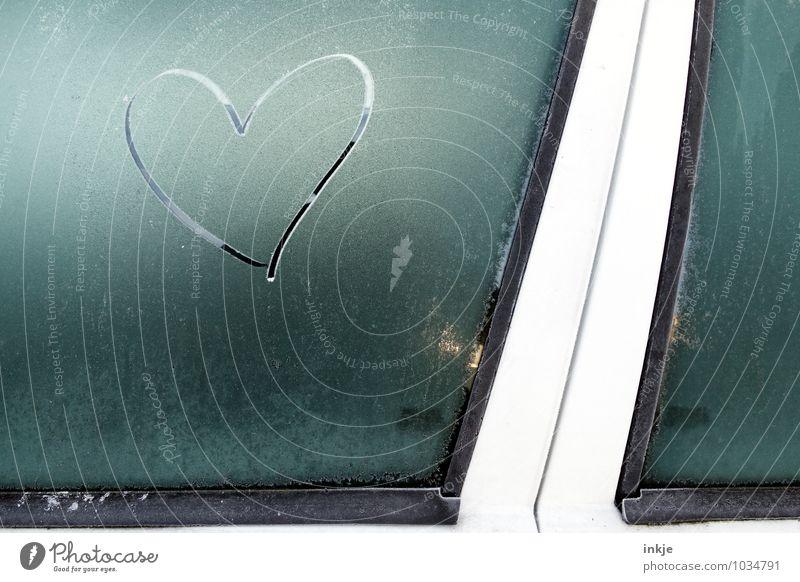 eiskaltes Herz blau Winter kalt Gefühle Liebe Autofenster grau Eis PKW Klima Herz Zeichen Romantik Frost Autotür gefroren