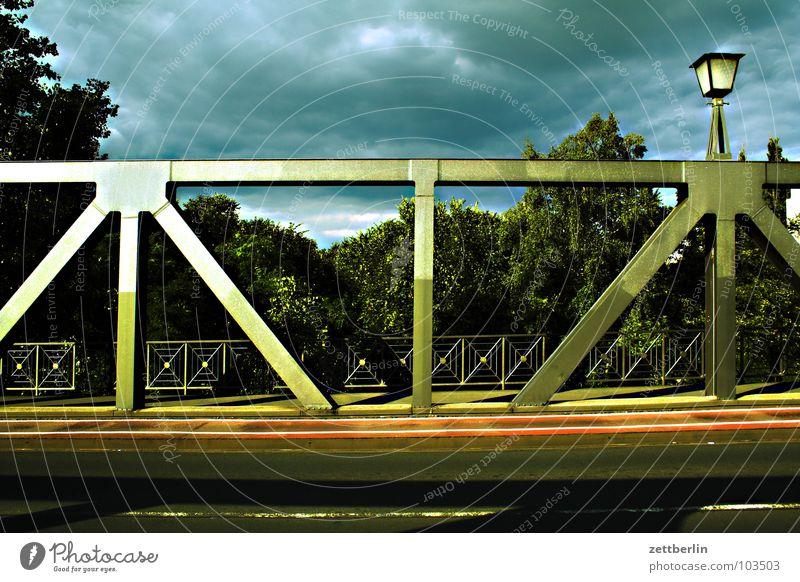 Tatort Wolken dunkel Brücke Gewitter