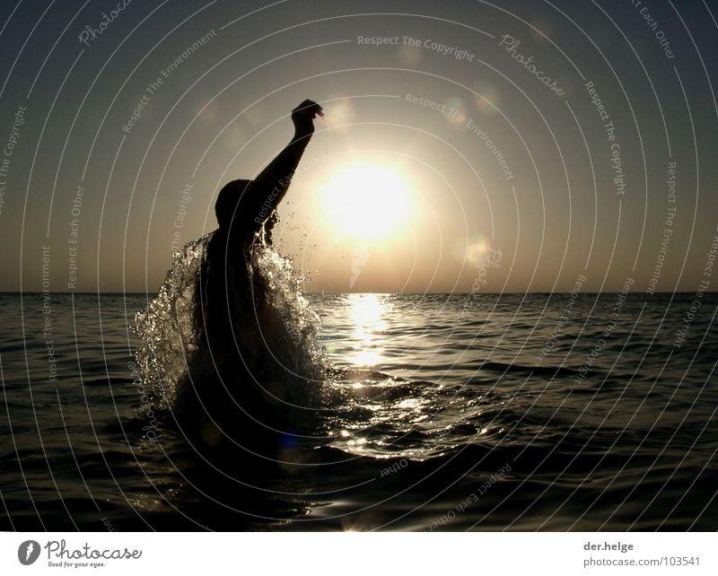 Herr Lehrer ich weiss was! Sonnenuntergang Meer Wasserspritzer springen Erfrischung Frankreich Atlantik Spielen Silhouette Cliff Big Blue Maximo Park