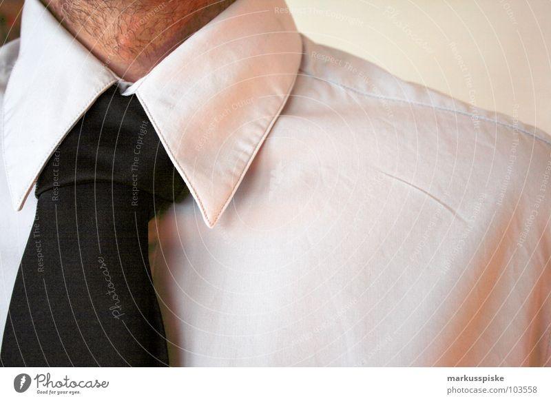 krawatten knoten Hand Arbeit & Erwerbstätigkeit warten Erfolg Sauberkeit Sitzung Beratung Hemd Dienstleistungsgewerbe Anzug Aktien Krawatte Faust Börse
