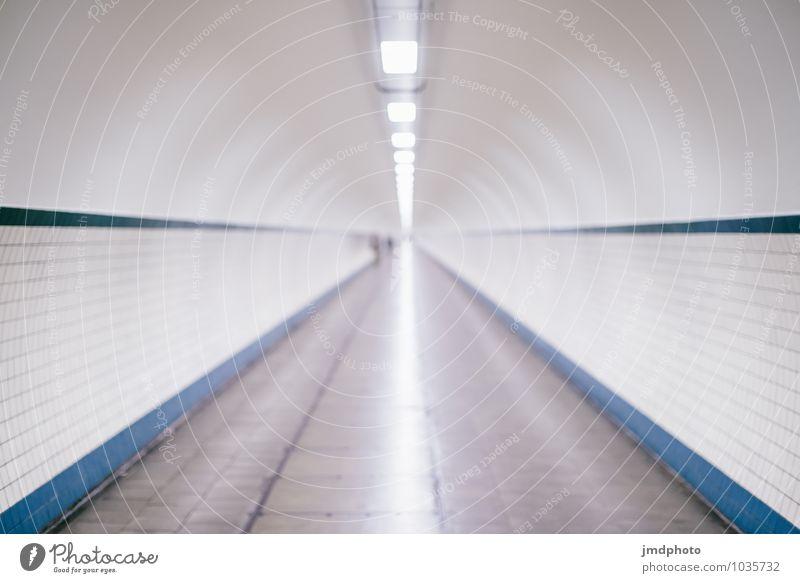 Tunnel ins nichts Innenarchitektur Nachtleben Antwerpen Menschenleer Sehenswürdigkeit Fahrradfahren Fußgänger Linie Traurigkeit Trauer Tod Sehnsucht Heimweh