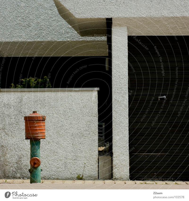 passt einfach Wasser alt grün Stadt rot Wand Gras Mauer Zusammensein orange Architektur Bodenbelag einfach Baustelle Bauwerk Pfosten