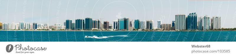 Abu Dhabi 2005 Vereinigte Arabische Emirate Meer Stadt Küste Arabien Panorama (Aussicht) Hochhaus Asien blau Jet-Ski modern Hauptstadt Panorama (Bildformat)