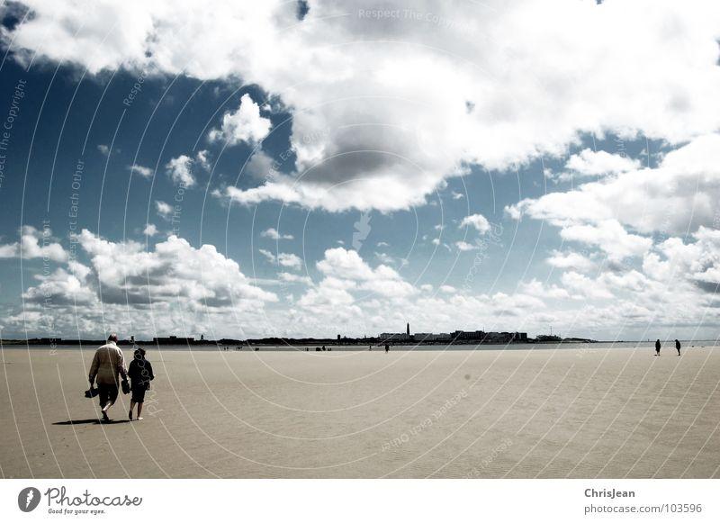 Titellos Mensch Himmel blau Meer Strand Wolken dunkel Sand Küste 2 Horizont Wetter gehen fliegen laufen wandern