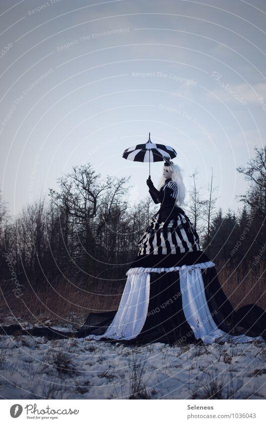 black snow Karneval Halloween Mensch feminin Frau Erwachsene 1 Subkultur Rockabilly Umwelt Natur Landschaft Himmel Wolken Winter Eis Frost Schnee Wiese Feld