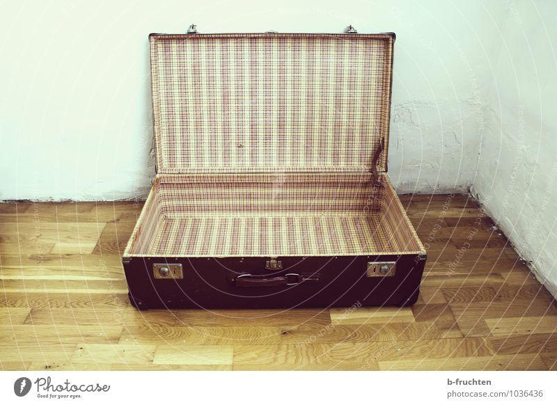 Zeitreise Ferne Umzug (Wohnungswechsel) Ferien & Urlaub & Reisen alt braun Vergangenheit Vergänglichkeit Wandel & Veränderung leer Retro-Farben Muster Koffer