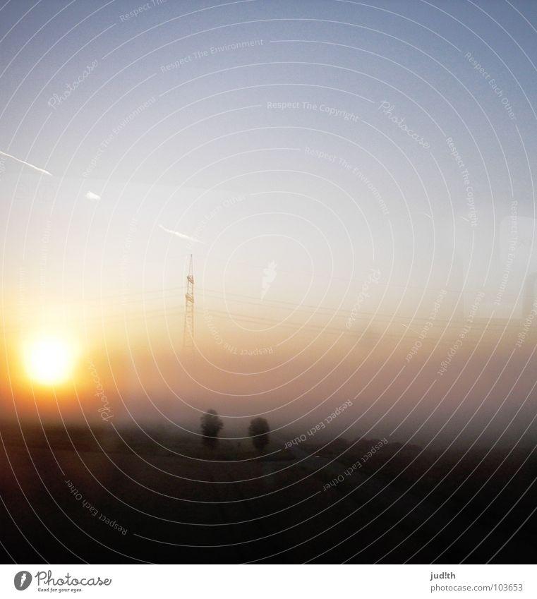 nuclear sunrise Natur Himmel Baum Sonne blau Sommer Sonnenaufgang Feld Nebel Horizont Elektrizität Kabel Frieden Strommast Himmelskörper & Weltall Kondensstreifen