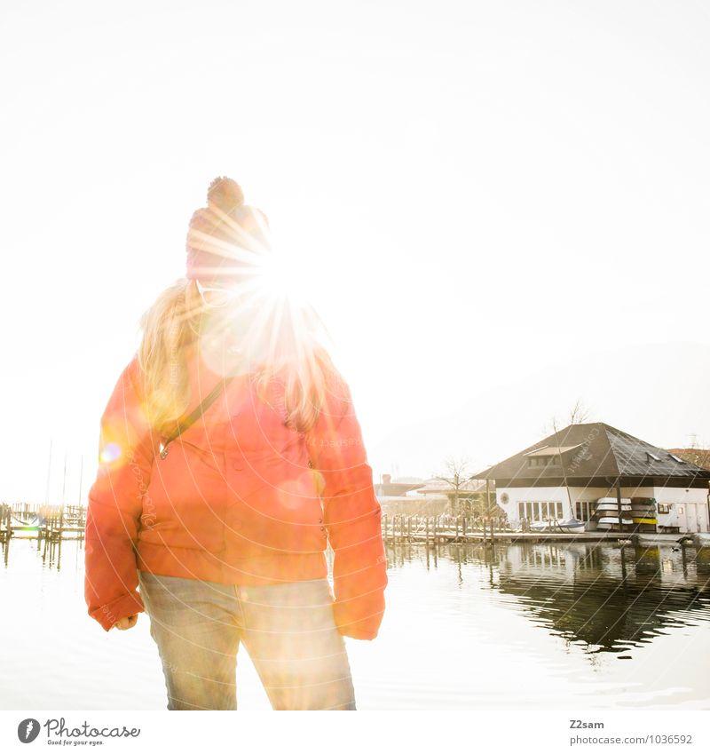 My sunshine Ferien & Urlaub & Reisen Jugendliche Sonne Junge Frau Erholung rot ruhig 18-30 Jahre Winter Erwachsene feminin natürlich See Lifestyle blond frisch