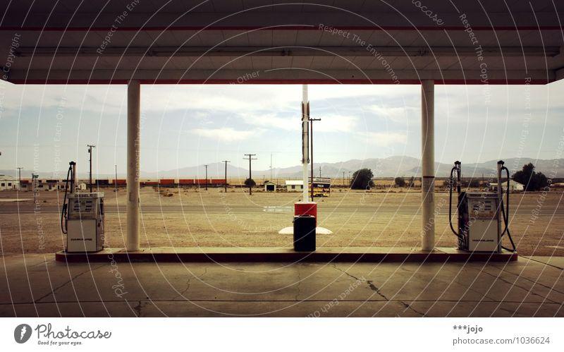 gasoline. Bauwerk Verkehr Autofahren Straße Energie Tankstelle tanken Zapfsäule Diesel Benzin USA Kalifornien Mittlerer Westen Wüste Ödland Route 66 Architektur