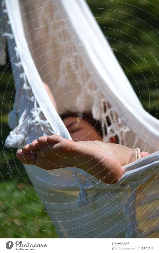 Abhängen Mensch Ferien & Urlaub & Reisen Jugendliche Junge Frau 18-30 Jahre Erwachsene feminin natürlich Stimmung Fuß träumen Freizeit & Hobby Zufriedenheit