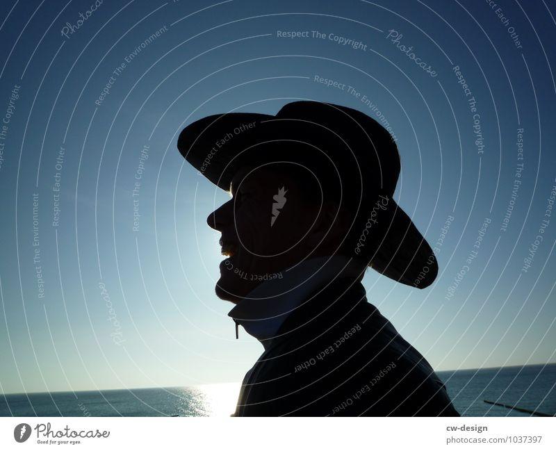 Cowboy am Meer Mensch Ferien & Urlaub & Reisen Jugendliche Mann Sommer Sonne Junger Mann Freude Strand 18-30 Jahre Gesicht Erwachsene Leben Lifestyle Freiheit