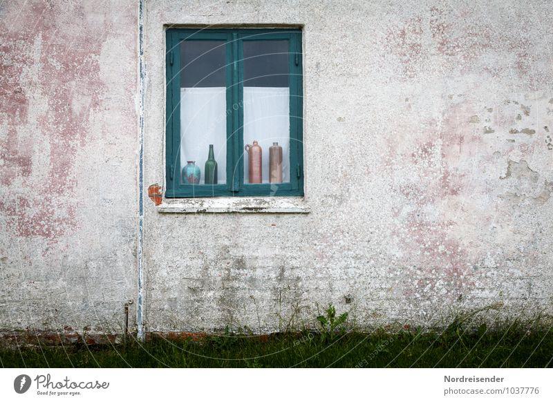 Trinkfest Stadt alt Einsamkeit ruhig Haus Wand Architektur Gebäude Mauer Stein Fassade Häusliches Leben Dekoration & Verzierung retro Bauwerk Flasche