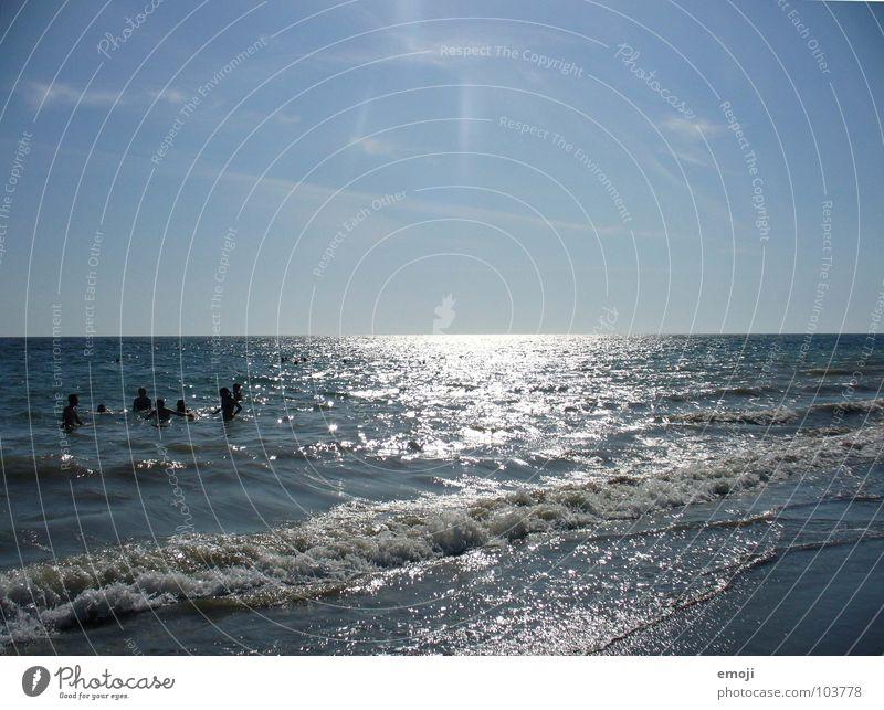 mehr Meer | mehr blaue Weite Mensch Himmel blau Wasser Ferien & Urlaub & Reisen Sonne Meer Sommer Freude Wärme Wellen Schwimmen & Baden Fröhlichkeit Italien Physik heiß