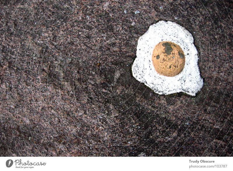stone egg Stein Felsen Ei falsch Täuschung Illusion Mineralien betrügen Spiegelei
